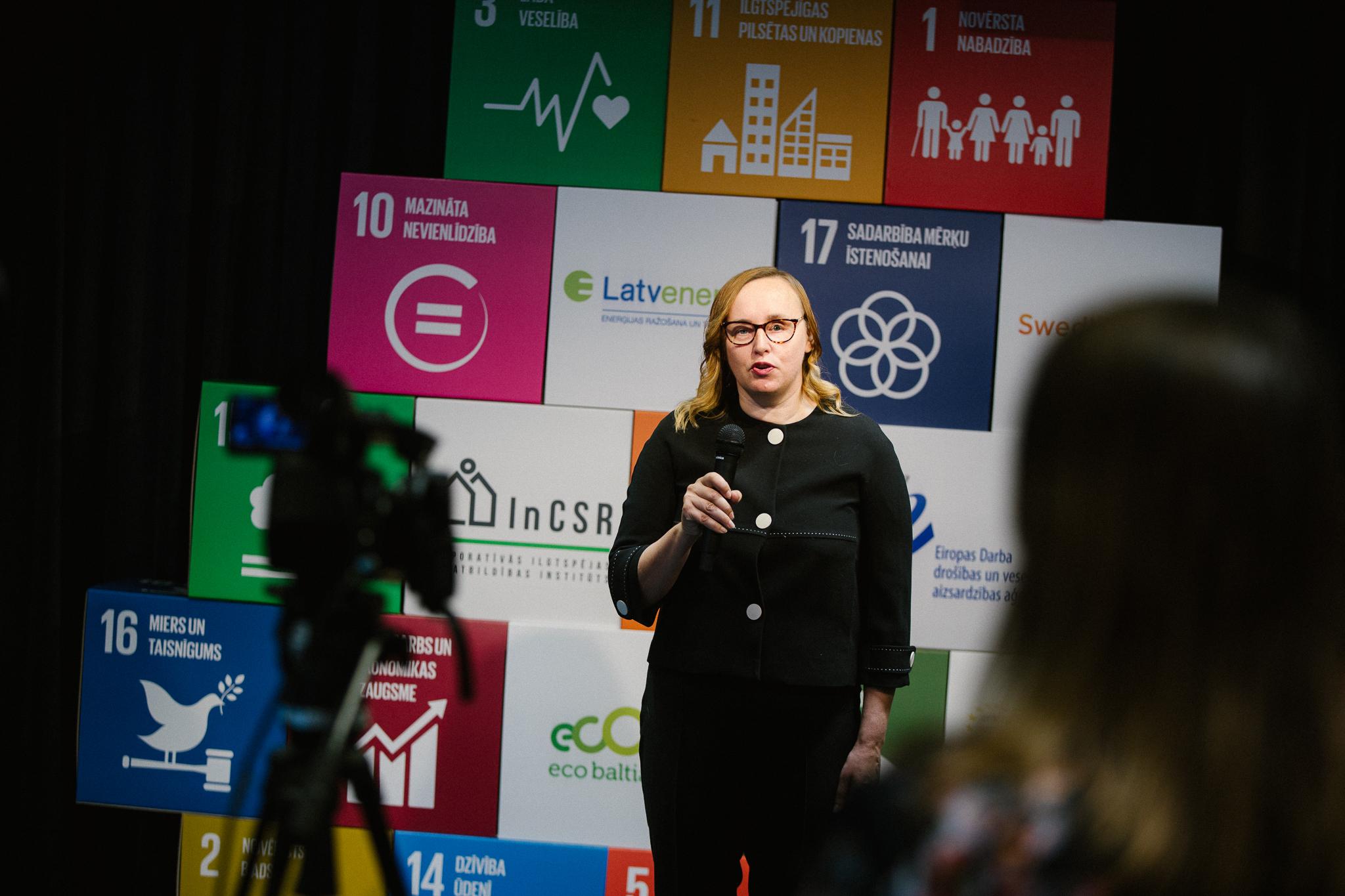 Eiropas Darba drošības un veselības aizsardzības aģentūras Latvijas kontaktpunkta vadītāja Linda Matisāne saka Atbildīgu ideju tirgus 2020 atklāšanas uzrunu